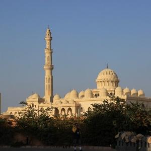 Hurghada – vom Fischerdorf zum Taucher- und Surferparadies