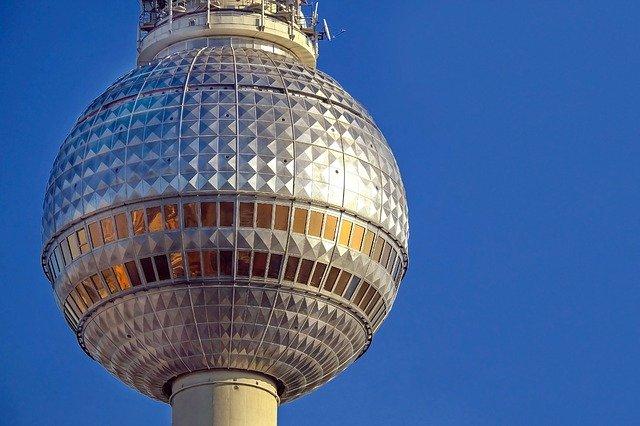 Berliner Fernsehturm: Genuss über den Dächern von Berlin